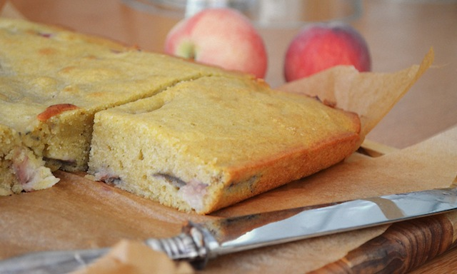 THE_RECIPE_GRINDER_PEACH_OLIVE_OIL_CAKE11